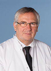 Prof. Dr. med. Andre-Michael Beer (Klinikdirektor für Naturheilkunde)